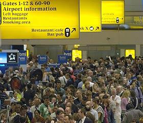Intensa vigilancia en Heathrow. (Foto: EFE)