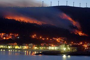 El pueblo de Ezaro, en la Costa de la Muerte (La Coruña). (Foto: EFE)