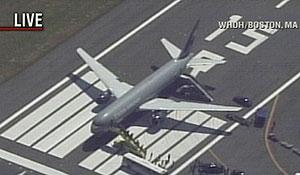 Imagen televisiva del avión al llegar a Boston. (Foto: CNN)