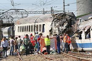Imagen del tren siniestrado. (Foto: Brágimo)