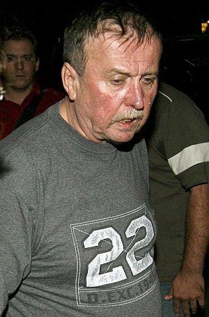 El padre de Natascha, a su salida de las dependencias policiales de Viena. (Foto: EFE)