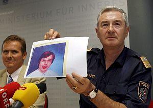 La policía muestra una foto del supuesto secuestrador. (Foto: AFP)