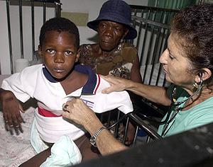Un niño enfermo de tuberculosis en Cuba. (Foto: AFP)