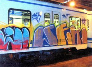 Un 'graffiti' pintado sobre un vagón del metro de Madrid. (Foto: EFE)