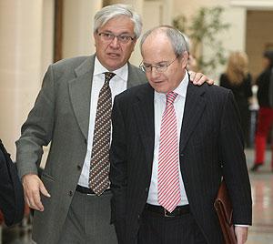 Joan Clos (izda.) y José Montilla, el pasado mes de febrero. (Foto: José Ayma)