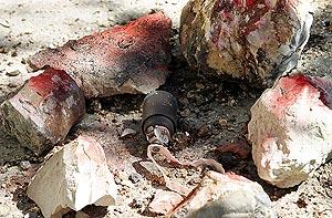 Una bomba de racimo hallada junto a una casa del sur del Líbano. (Foto: AFP)