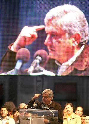Andrés Manuel López Obrador, en la plaza del Zócalo de la capital. (Foto: REUTERS)