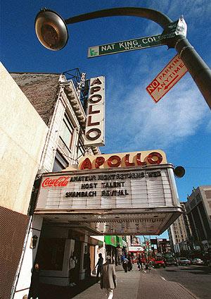 Vista de la fachada del Teatro Apollo, en Harlem. (Foto: AP)