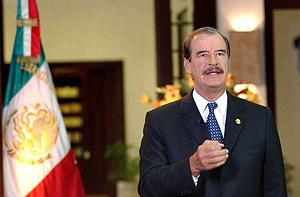 El presidente de México, Vicente Fox, habla en un mensaje a la nación. (Foto: EFE)