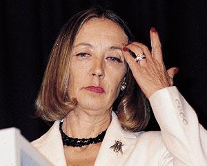 Oriana Fallaci en una imagen tomada en 2002. (Foto: AP)