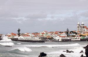 Una imagen de la Bahía de Sao Mateus con el temporal. (Foto: AP)