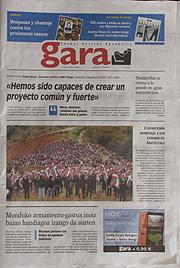 Portada de 'Gara' en la que aparece una fotografía del acto en Oiartzun.