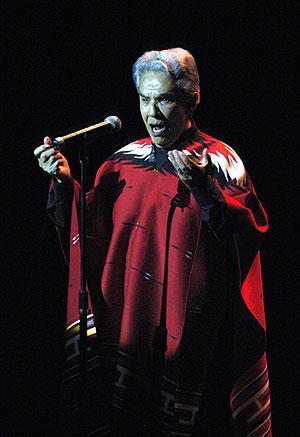 Chavela Vargas durante el concierto. (Foto: EFE)