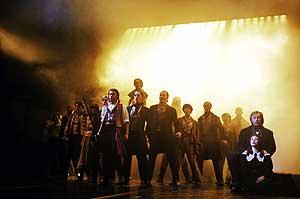 Representación de 'Los Miserables' en el 'Queen's Theatre' de Londres. (Foto: AFP)