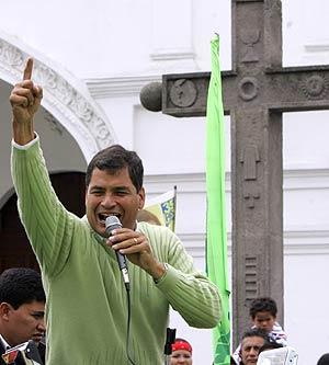 El líder de Alianza País, en un mitin. (Foto: AP)