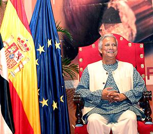Mohamed Yunus, esta semana en Ceuta, donde recibió el Premio Convivencia Ciudad Autónoma. (Foto: EFE)