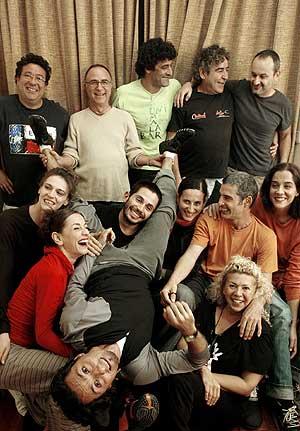 Los integrantes de la compañia de danza Ananda Dansa. (Foto: EFE)