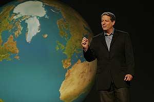 Al Gore, en uno de los fotogramas de la películas. (Foto: UIP)