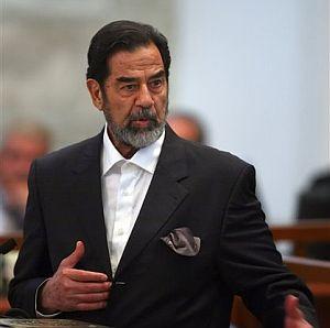 Sadam, en la vista del juicio. (Foto: AP)