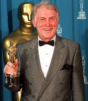 Jack Palance, con su Oscar. (Foto: AP)