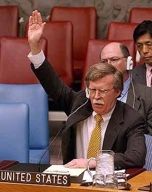 John Bolton, embajador de EEUU ante la ONU, durante la votación. (Foto: AP)