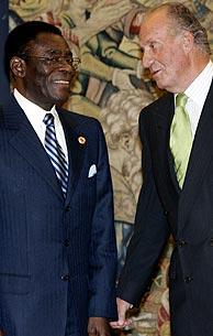 Obiang y el Rey Juan Carlos, en La Zarzuela. (Foto: EFE)
