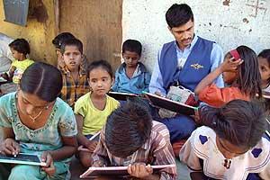 Un grupo de niños en el centro de menores de Intervida en la India. (Foto: Intervida)