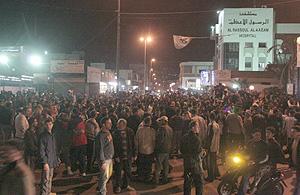 Libaneses seguidores de Hizbulá en las inmediaciones del aeropuerto. (Foto: REUTERS)