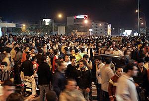 Seguidores de Hizbulá, en las inmediaciones del aeropuerto. (Foto: REUTERS)