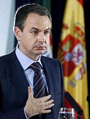 Zapatero, durante la rueda de prensa . (EFE)