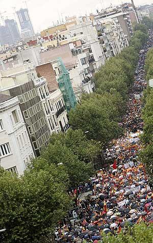 Vista general de la manifestación convocada por la AVT. (Foto: EFE)