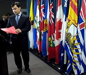 Chong anuncia su dimisión como ministro de Asuntos Intergubernamentales. (Foto: AP)
