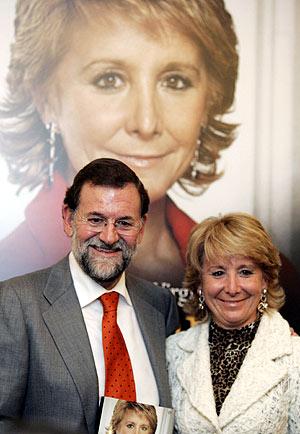 Rajoy y Aguirre, en la presentación del libro. (Foto: REUTERS)