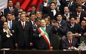 Calderón toma posesión ante el Congreso. (Foto: EFE)