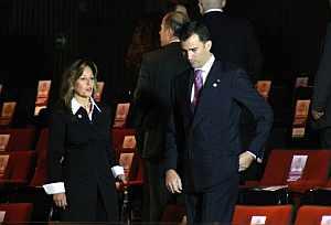 Felipe de Borbón y Trinidad Jiménez en el Palacio de San Lázaro. (Foto: EFE)