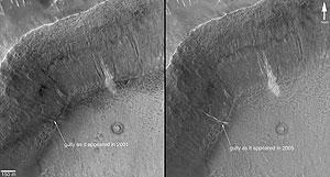 Imágenes difundidas por la NASA en las que se ven los regueros detectados. (Foto: NASA)