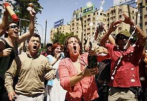 Detractores de Pinochet celebran su muerte. (Foto: REUTERS)