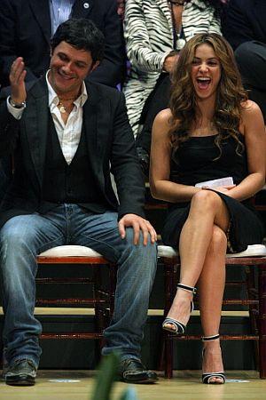 Alejandro Sanz, junto a Shakira, en la inauguración de ALAS. (Foto: AFP)