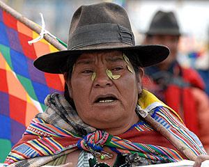 Una mujer aymara durante una manifestación. (Foto: EFE)