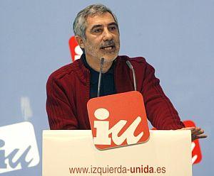 Llamazares, durante su intervención en la reunión del Consejo Político Federal. (Foto: EFE)