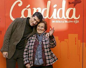 Guillermo Fesser, con Cándida. (Foto: EFE)