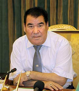 Saparmurat Niyazov, en una imagen tomada en noviembre de 2006. (Foto: EFE)