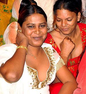 Reunión de eunucos indios en Bophal. (Foto: EFE)