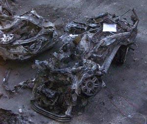 Uno de los coches afectados por la explosión. (Foto: P. D. Sotero)
