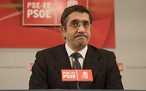 Patxi López, en rueda de prensa en Bilbao. (Foto: Mitxi)