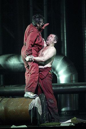 Uno de los ensayos de 'Wozzeck', la ópera que se estrena en el Real. (Foto: Julián Jaén)