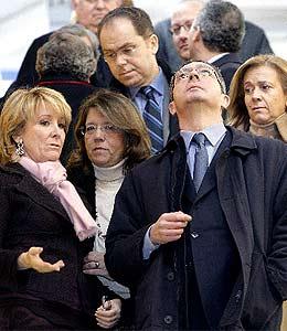 Aguirre y Gallardón, durante la inauguración. (Foto: EFE)