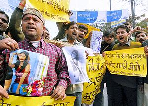 Protestas en La India por los insultos recibidos por su compatriota. (Foto: AP)