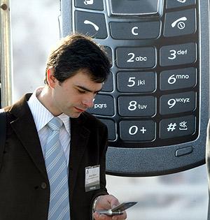 El móvil es el dispositivo de acceso a Internet con más penetración en España. (Foto: Antonio Moreno)