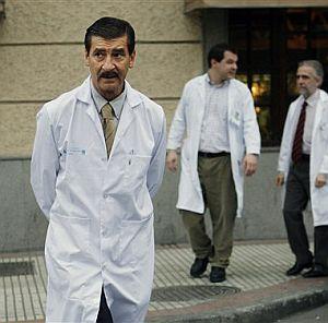 José Luis García Sabrido, el médico español que atendió a Castro en diciembre. (Foto: AP)